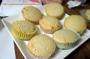 Easy and Delicious Vanilla Cupcakes