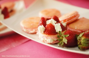 Strawberry macaron recipe